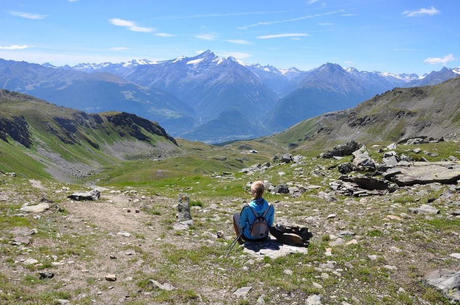 trekking hiking glacier mont blanc courmayeur chamonix traverse