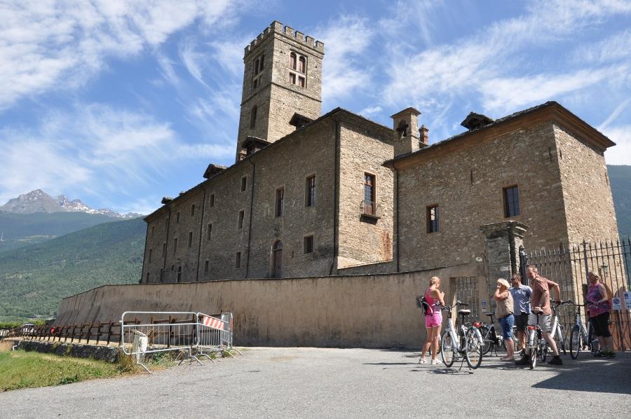 wine tasting e-bike tour aosta courmayeur cervinia chamonix, vineyards visit excursion